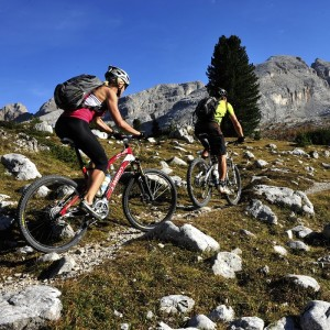 IN MOUNTAIN BIKE TRA LE MEMORIE DELLA GRANDE GUERRA CON IL DOLOMITI SUPERSUMMER