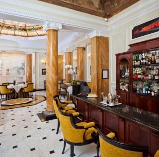 """PRENDI L'ARTE E METTILA AL GRAND HOTEL MAJESTIC """"GIÀ BAGLIONI"""""""