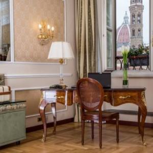 PASQUA ALL'HOTEL BERNINI PALACE PER VISITARE FIRENZE CAPITALE D'ITALIA