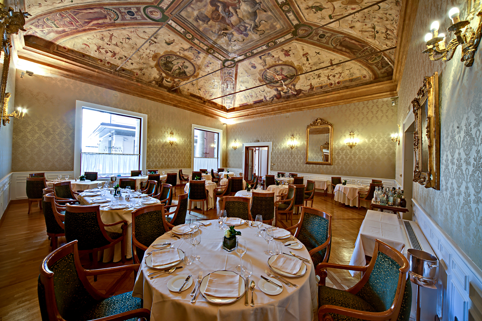 AL GRAND HOTEL MAJESTIC IL BRUNCH FUTURISTA