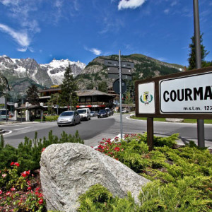 COURMAYEUR BLACK SATURDAY: UN PONTE DI SHOPPING E ANIMAZIONI APRE L'ESTATE