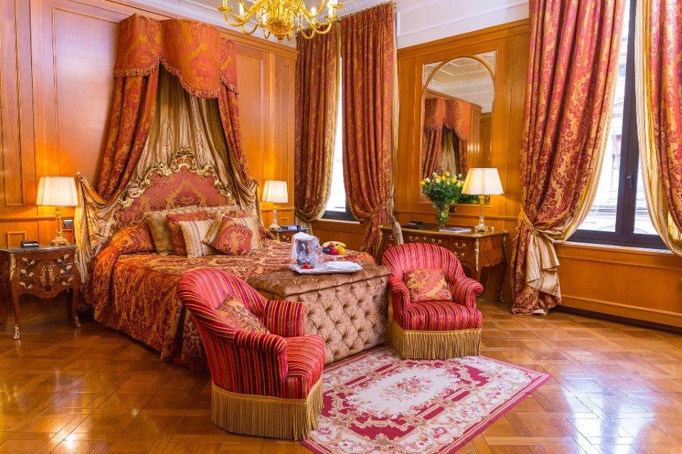 "GRAND HOTEL MAJESTIC ""GIA' BAGLIONI""  TRA I MIGLIOR LEADING HOTEL EUROPEI"
