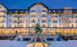 esterna hotel inverno con neve