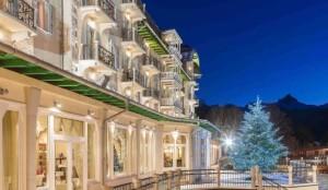 hotel inverno vista esterna di notte
