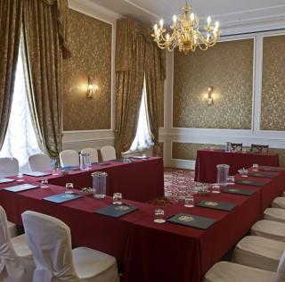 """IL GRAND HOTEL MAJESTIC """"GIA' BAGLIONI"""" OSPITA IL GALATEO  DI ETIQUETTE ACADEMY ITALY"""