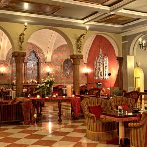 "Vinitaly 2018: ""God save the wine"" fa tappa all'Hotel Due Torri di Verona"