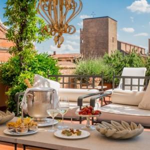 """""""Solstizio dei sensi"""": cena in terrazza sotto le stelle al Grand Hotel Majestic"""